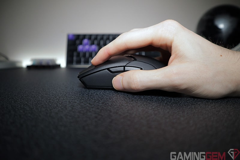 Razer Viper Ultimate Fingertip Grip